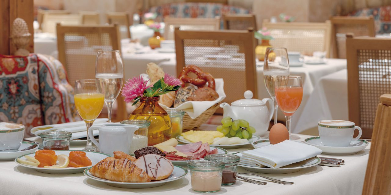 The generous selection of the breakfast offers a comprehensive and vital Meal for every taste in the Salon Hubertus in the Hotel Excelsior by Geisel in Munich